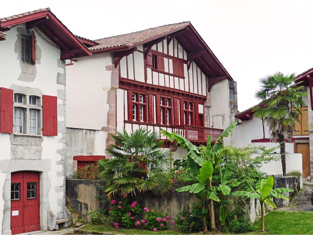 plus-beaux-villages-france-Ainhoa maisons labourdines 001 ©F.Perrot