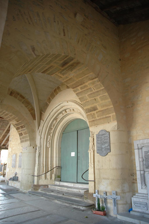 plus-beaux-villages-france-La Bastide Clairence église porche 01 © OT Labastide Clairence