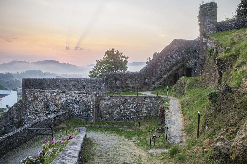 plus-beaux-villages-france-Saint-Jean Pied de Port Citadelle 001 ©PierreCarton.com