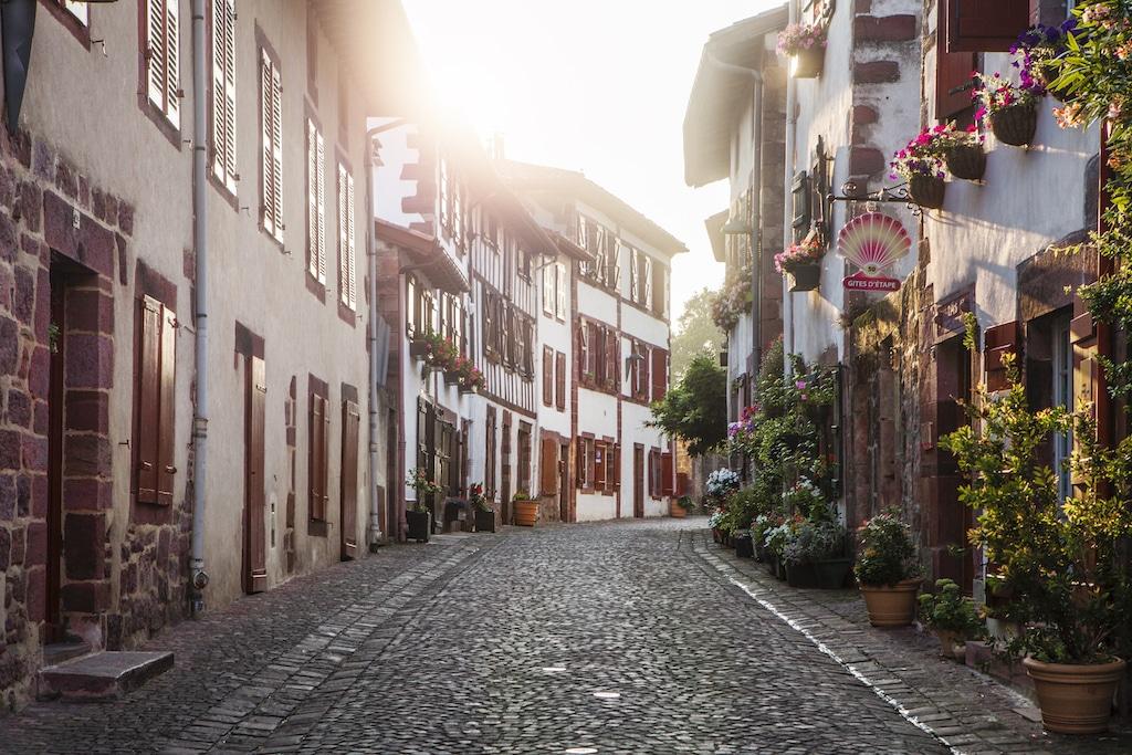 plus-beaux-villages-france-Saint-Jean Pied de Port rue 002 ©PierreCarton.com