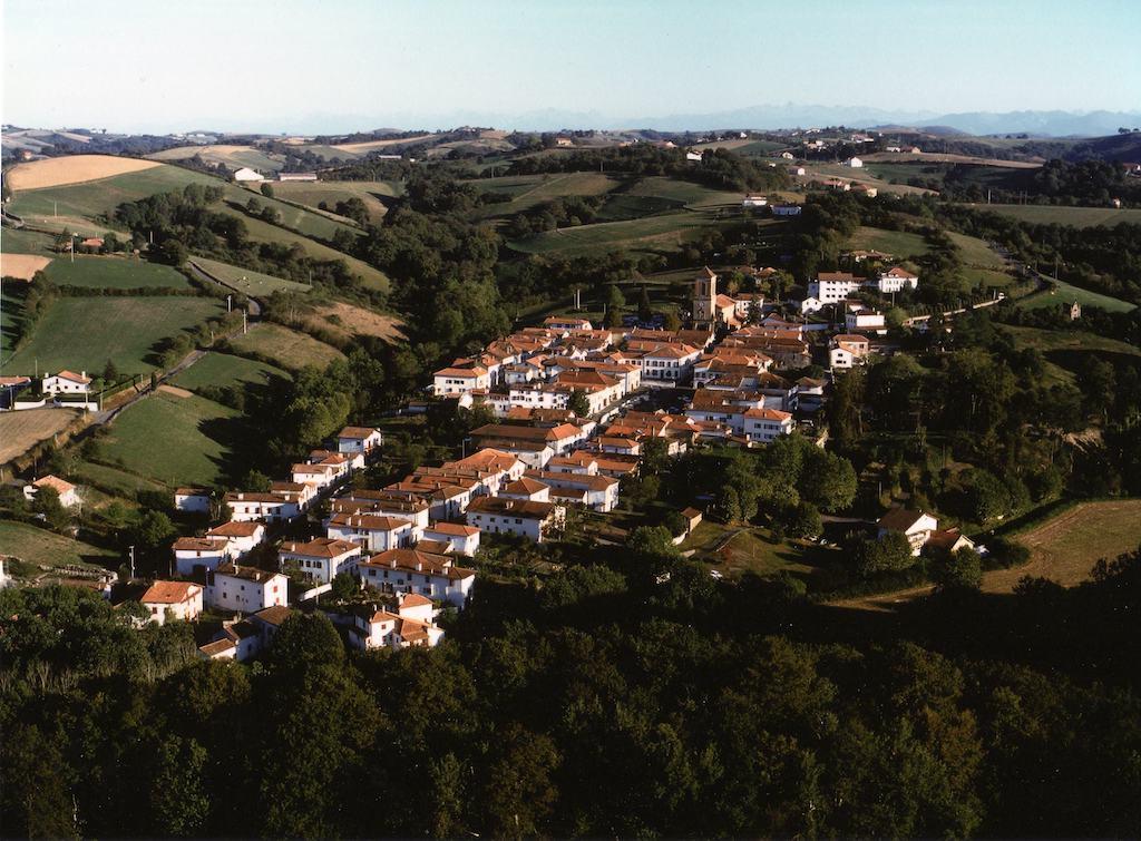 plus-beaux-villages-france-Vue aérienne © OT Labastide Clairence