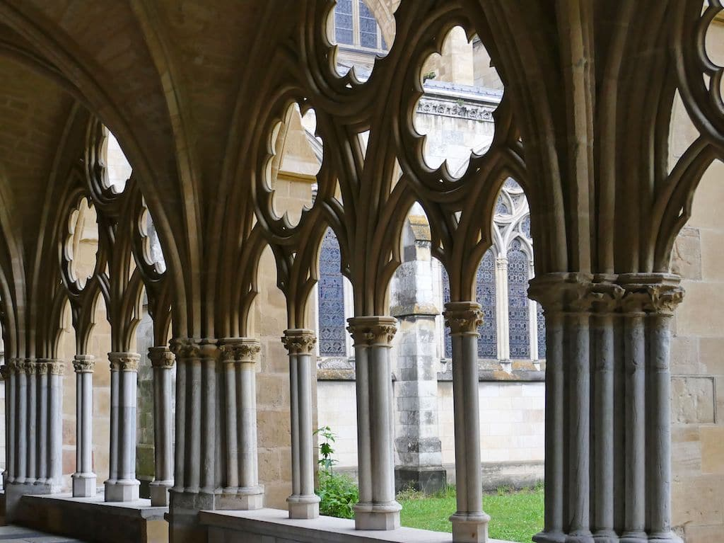 sejour-culture-gastronomie-paysbasque-Bayonne cloitre cathédrale ©F.Perrot