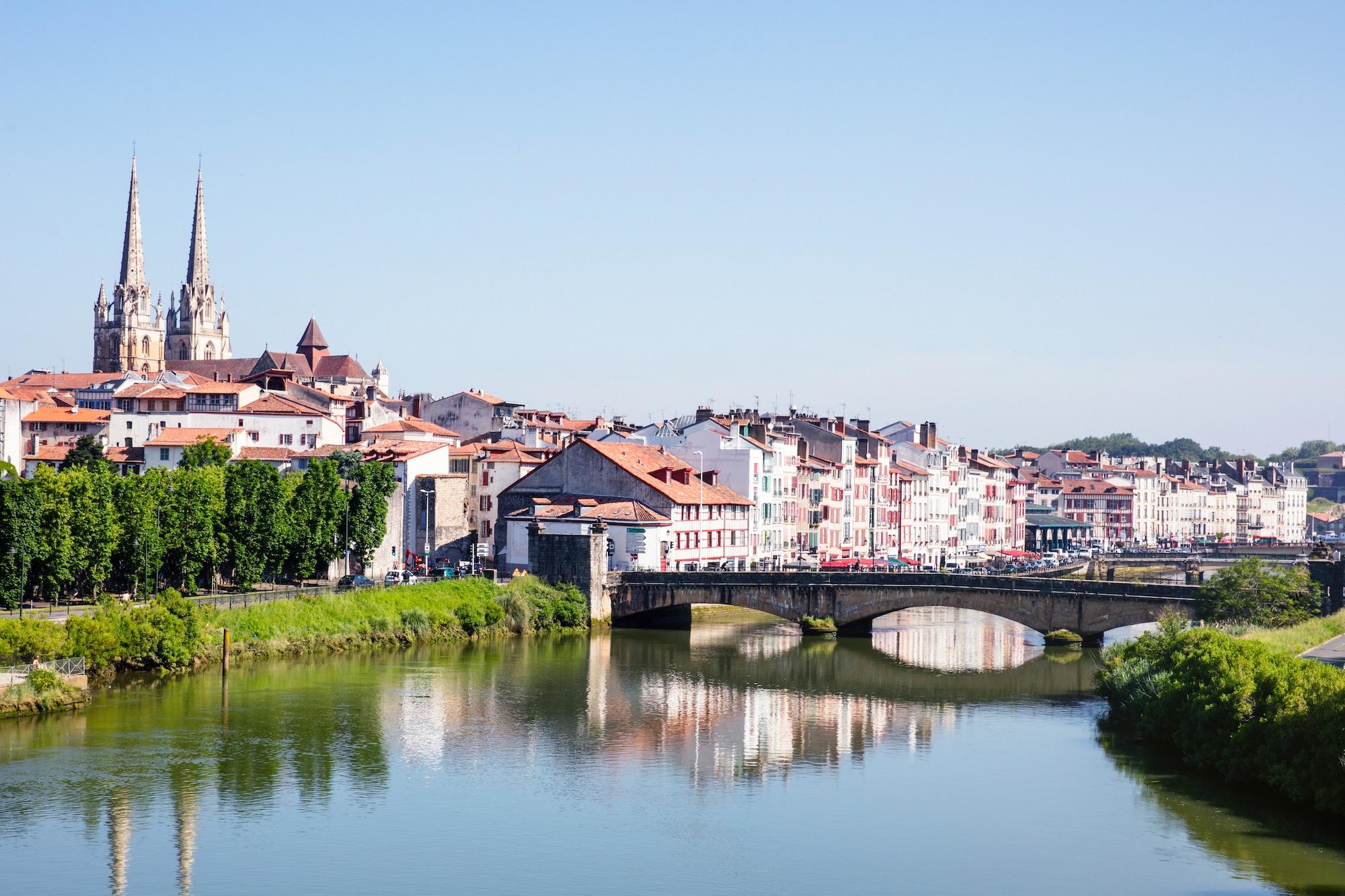 sejour-culture-gastronomie-paysbasque-Bayonne perspective Nive © Pierre-Alex