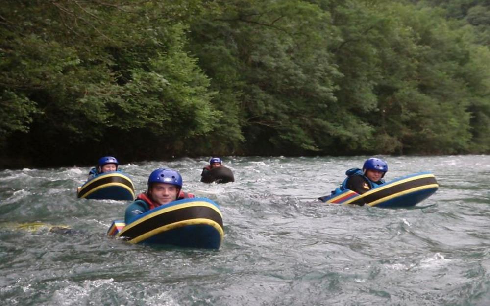 sejour-eaux-vives-bearn-evasi-eau-rafting-montaut2