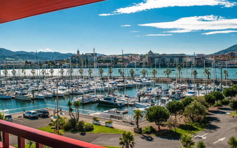 sejour-famille-cote-basque-02-Sokoburu-balcon-3pieces6Duplex-port-piscine