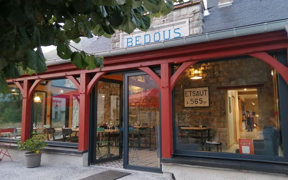sejour-multiactivités-bearn-hôtel-restaurant-transhumance-bedous1