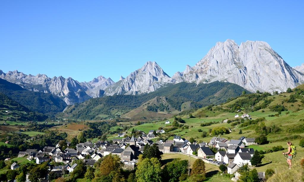 sejour-pyrenees-bearnaises-Lescun ©CDT64-P.Gaillard