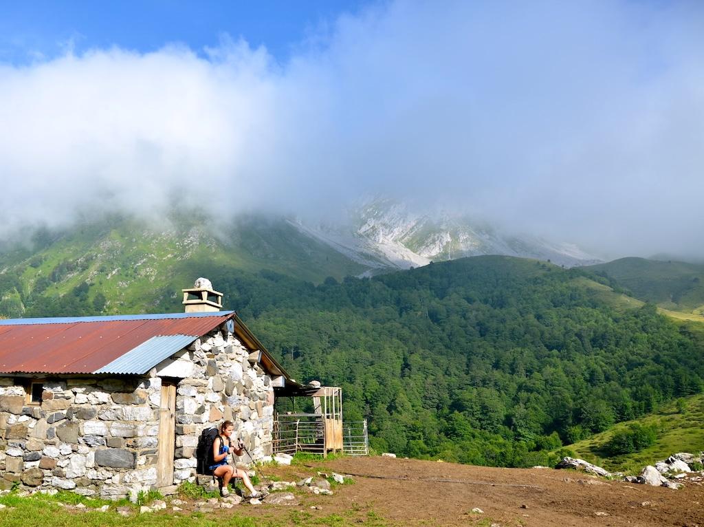 sejour-pyrenees-bearnaises-sejour-pyrenees-bearnaises-Bergerie en Vallée d_Aspe Lescun ©CDT64-P.Gaillard