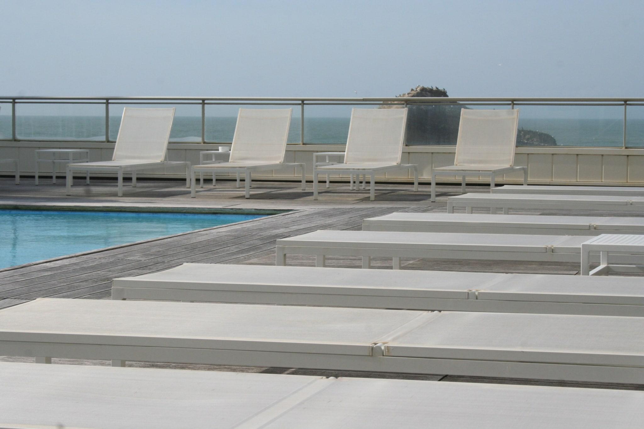 sejour-thalasso-biarritz-miramar-sofitel-piscine-extérieure ©CDT64