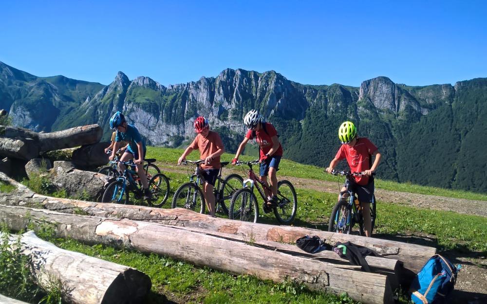 sejour-velo-electrique-Pyrenees-bearnaises-Rando-Bike-BEDOUS