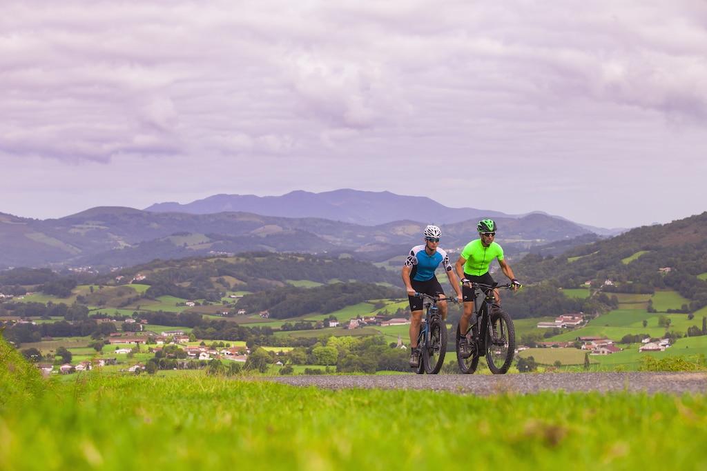 sejour-velo-paysbasque-Montagne basque rando velo VAE002©Ziklo