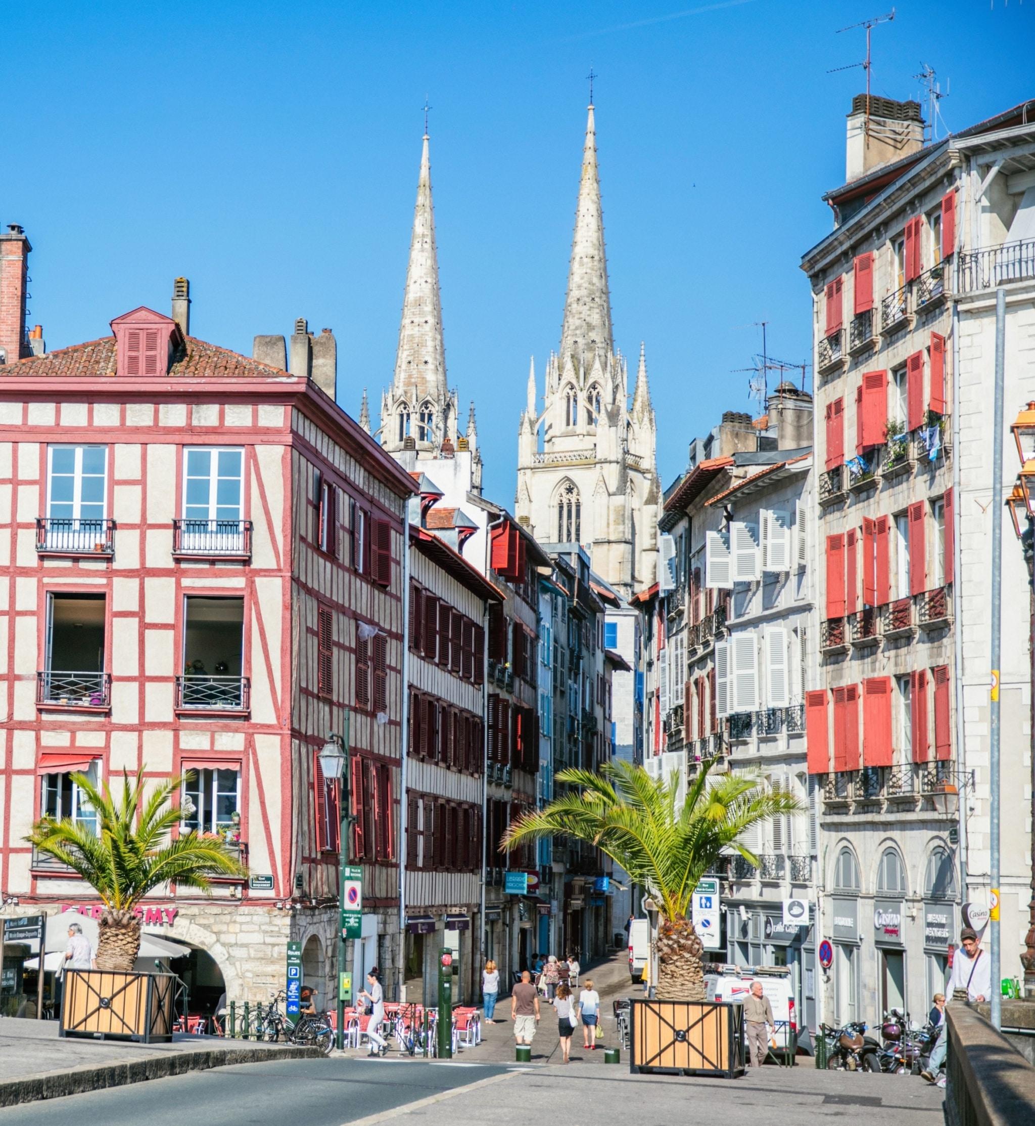 visite-guidee-paysbasque-Bayonne-quai-Nive©Pierre-Alex