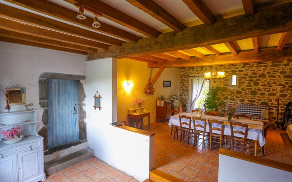 weekend-amoureux-paysbasque--chambre-hotes-biscayburu-salle-a-manger