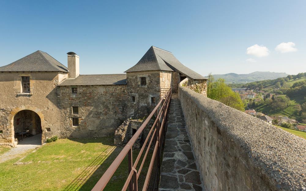 chateau-fort-_Mauléon_©CDT64